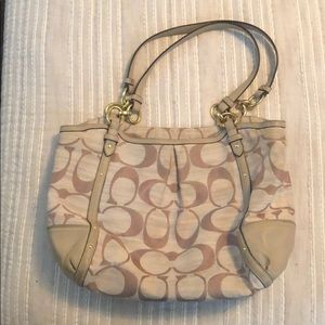 Coach shoulder bag beige